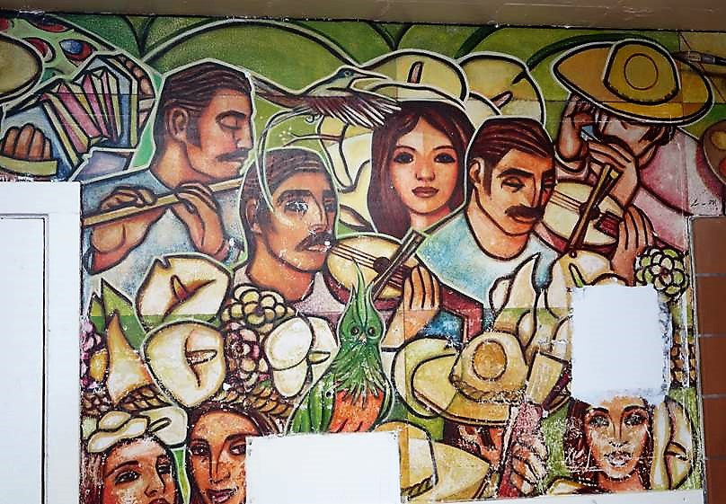 Mexican musicians painted on prison wall.