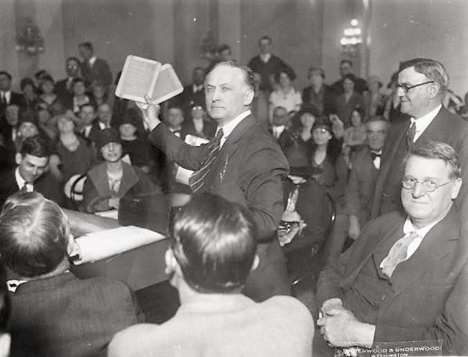 Harry Houdini speaks at Congress in 1926.