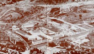 Overview photo of Folsom Prison's buildings and walls.