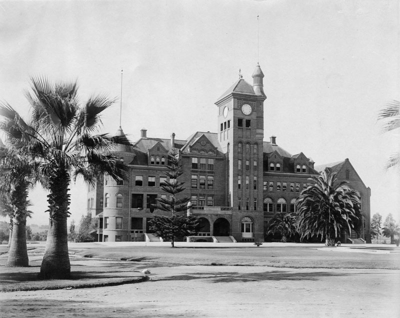 Larger administration building at Whittier Reform School in 1905.